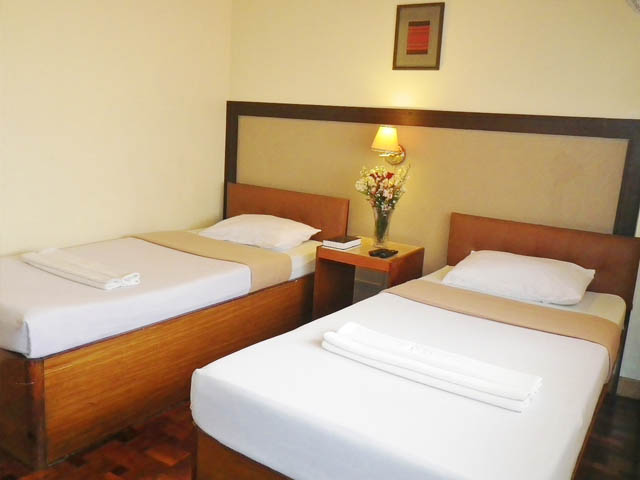 Deluxe Hotel T (2 pax with free breakfast)